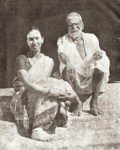 Mrinalini sarabhai with Meenakshi sundaram Pillai Guru